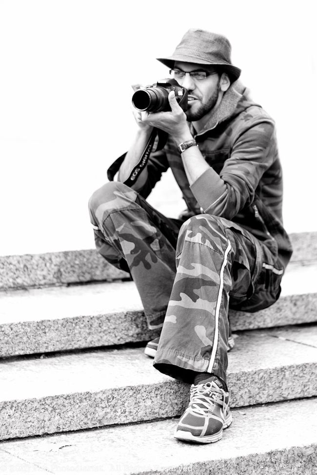 PHOTOGRAPHING THE PHOTOGRAPHER II