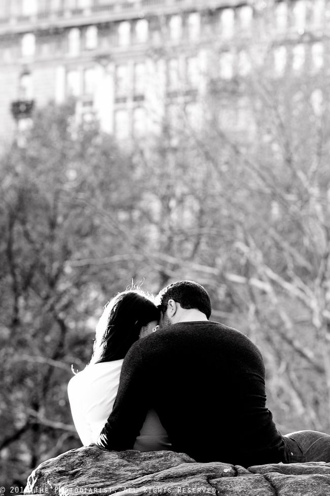 CANOODLING IN CENTRAL PARK
